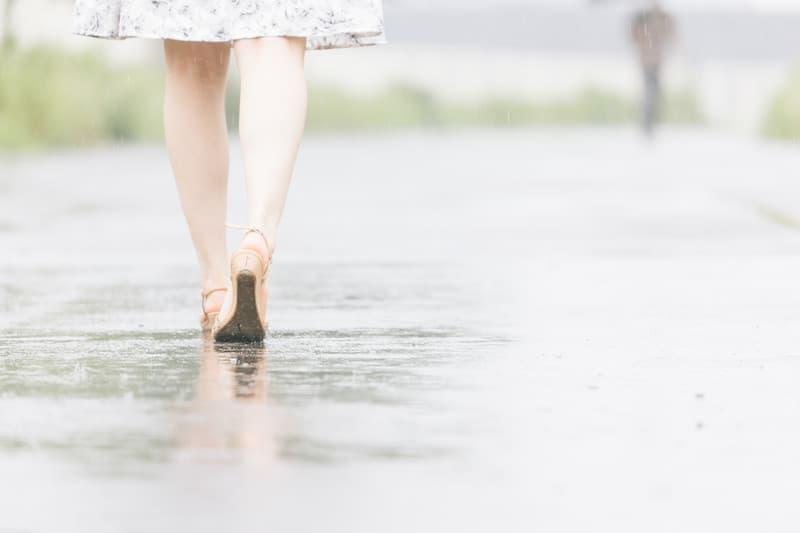 独身で寂しいと感じる4つの瞬間