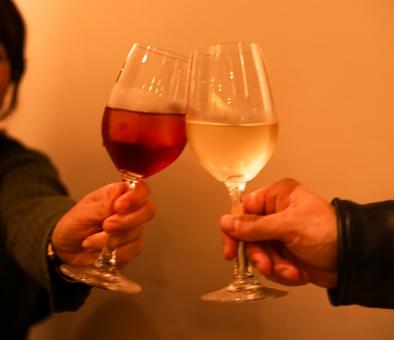 男女2人きりで飲む