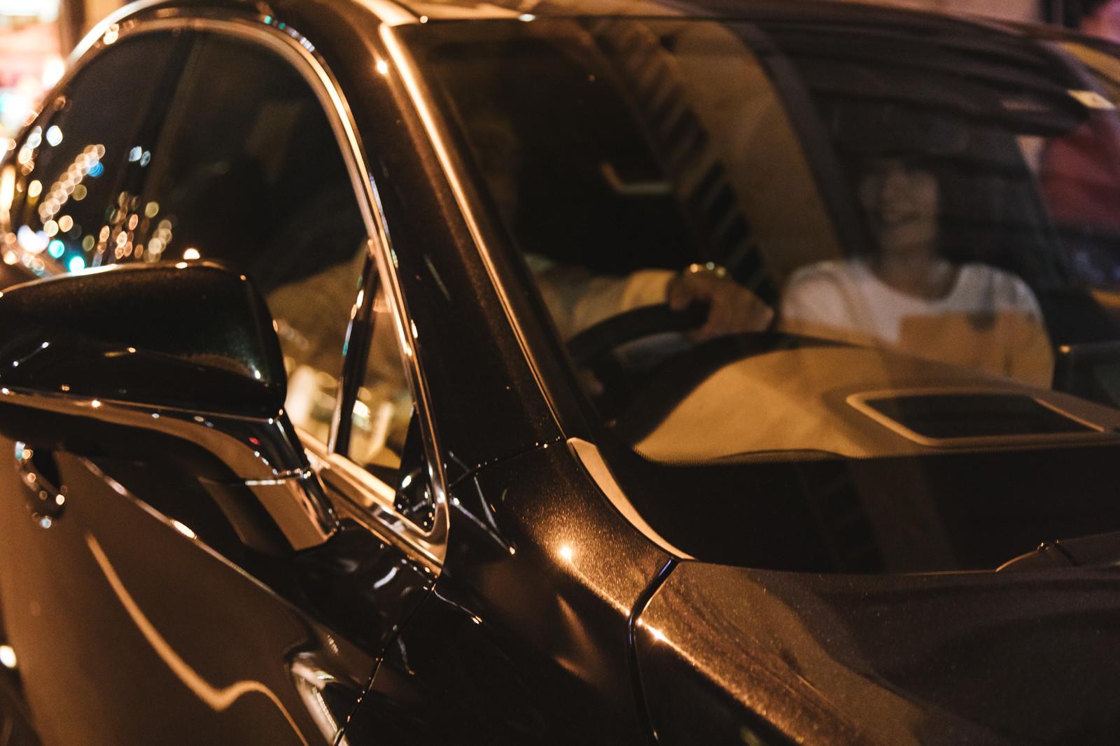 大人の男性と深夜ドライブ